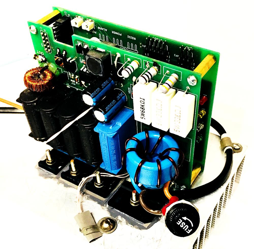 Разработка электроники и производство электронных приборов, Индукционный нагреватель, печатные платы на радиаторе без корпуса