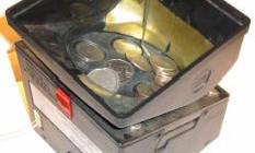 Устройство размена купюр на монеты или жетоны для игровых и торговых автоматов