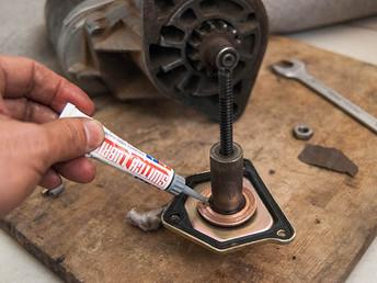 タミヤ接点グリス、電気系統修理に心強いアイテム