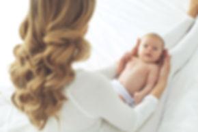 Neugeborene Pflege