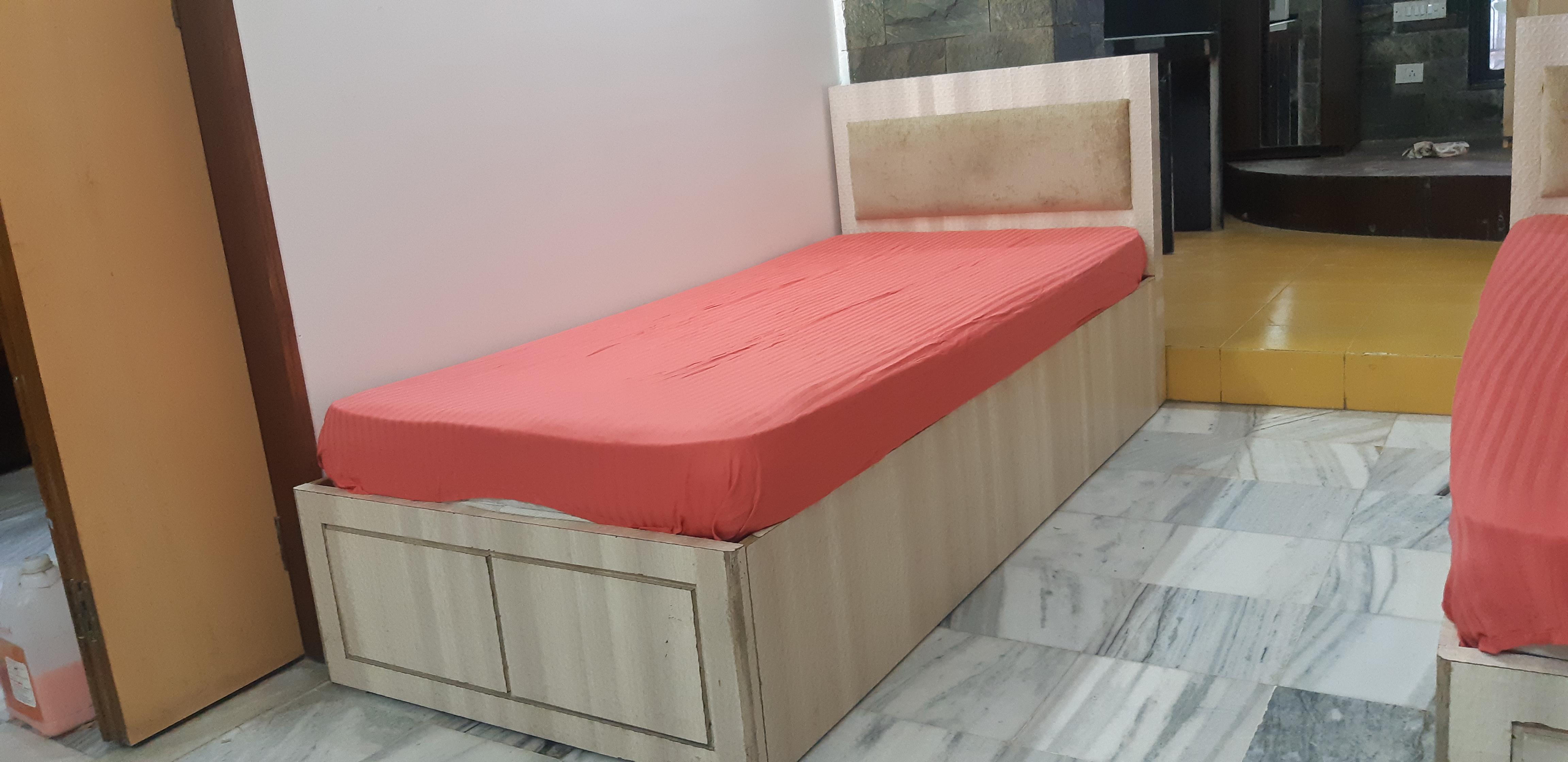 6 Feet long Comfortable Beds