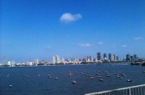 A_view_of_Mumbai_from_Bandra_Worli_Sea_l