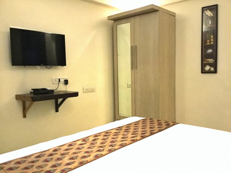 Arista Bandra Bedroom With LED TVs