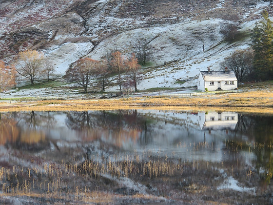 'Cottage on Loch Coultrie'