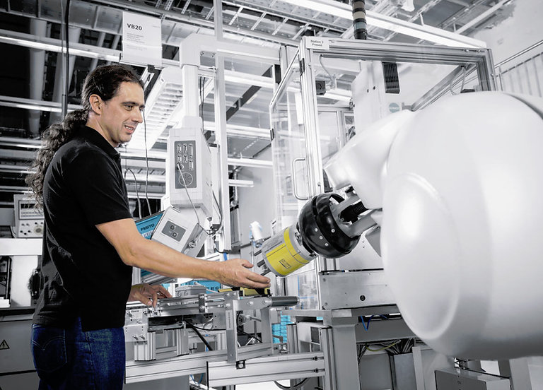 DI14-Festo-technology-plant-industry-4-0