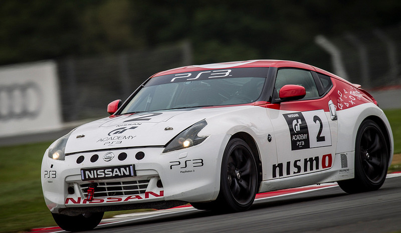 Des in action in the Nissan 350Z