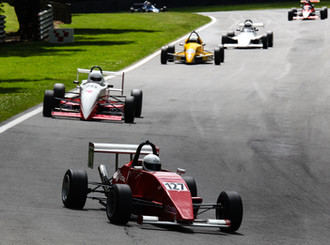 Contrasting fortunes at Brands Hatch