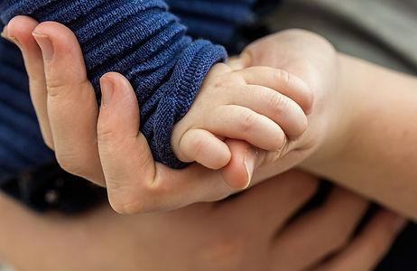 toddler-hand-4867454_1920.jpg