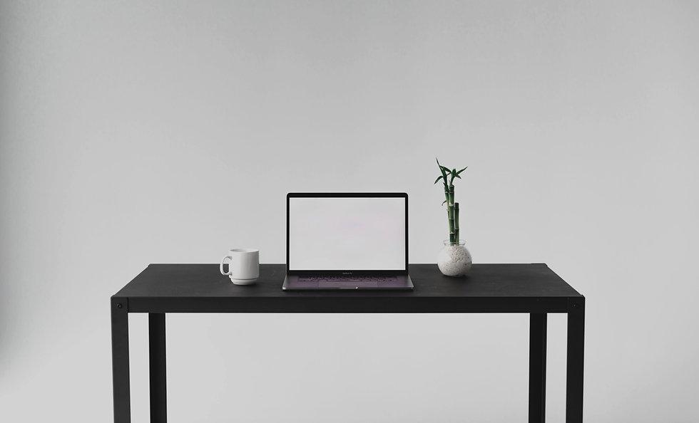front-facing-view-of-minimal-desk-setup_