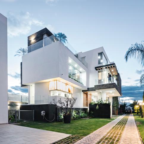 Casa T.N.T.