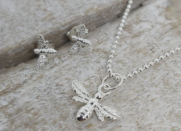"""BennyandMoo Manchester Bee pendant and earrings set on 18"""" beaded chain"""