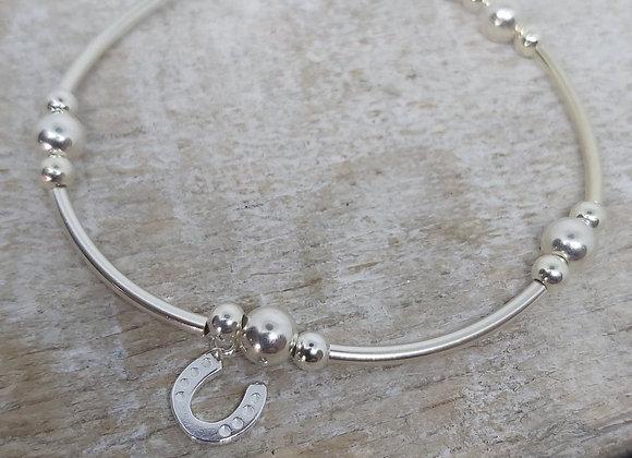 Benny&Moo Noodle bead bracelet with horseshoe charm