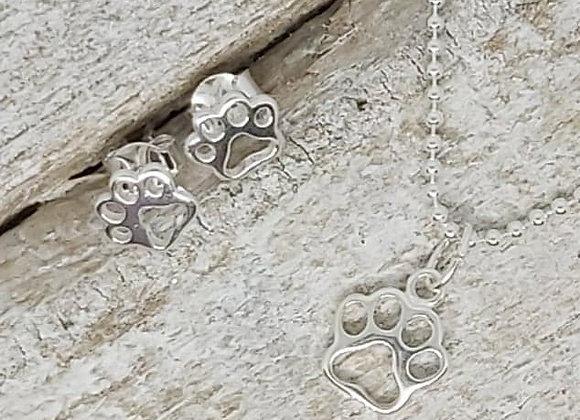 "BennyandMoo open paw pendant and earrings set on 18"" beaded chain"