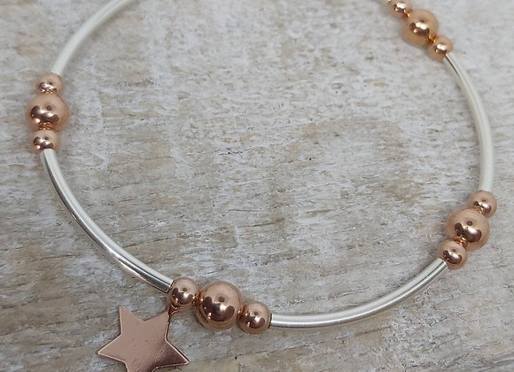Benny&Moo rose gold Noodle bead bracelet with gold star charm