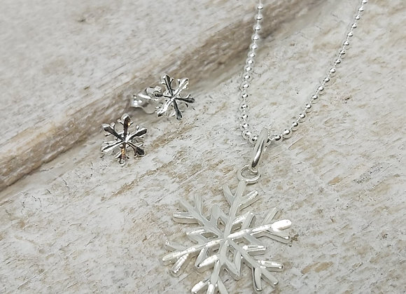 "BennyandMoo Snowflake pendant and earrings set on 18"" beaded chain"