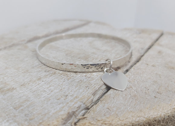 Sterling silver hammered bangle with Tiffany style charm