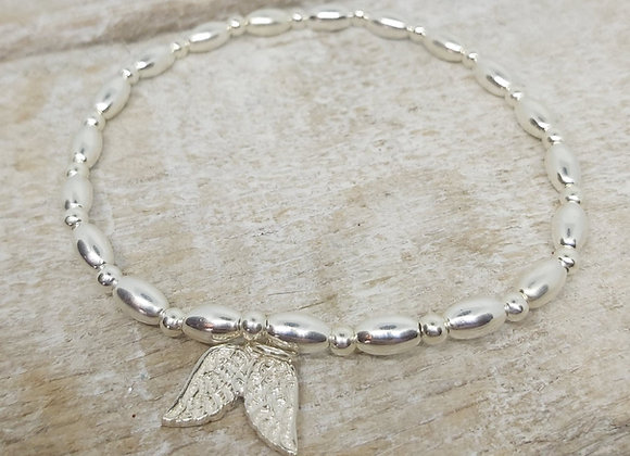 Benny&Moo seed and round beaded bracelet with double wing charm