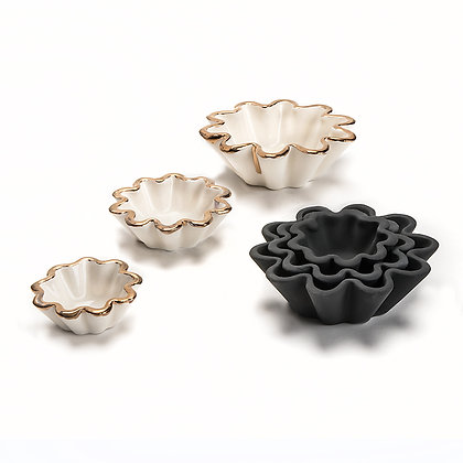 Small Fluted Nesting Bowl Set
