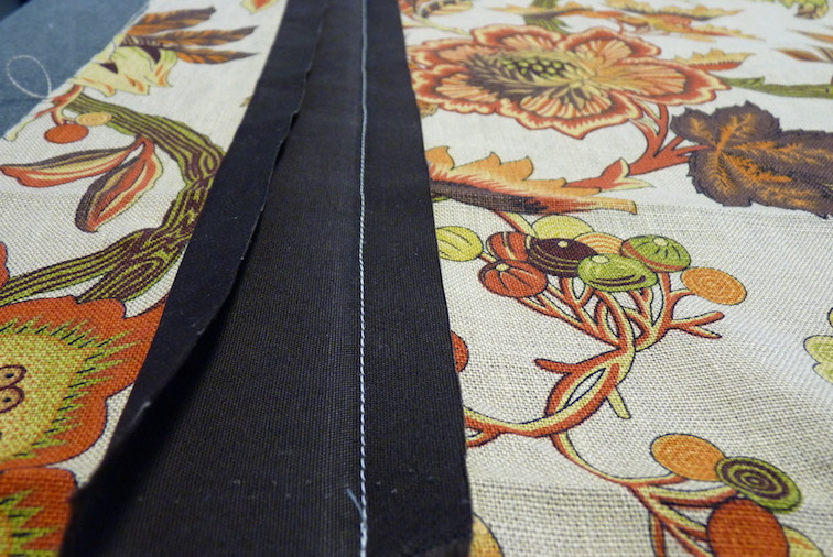 Sewing banding to the face fabric
