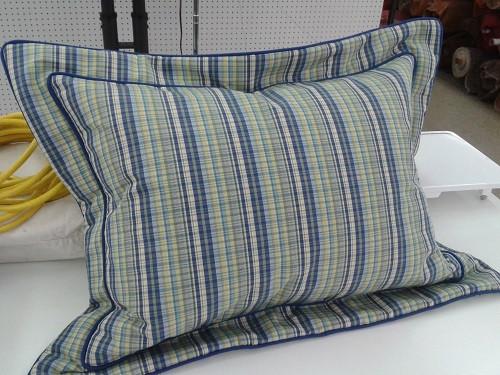 A flanged pillow.