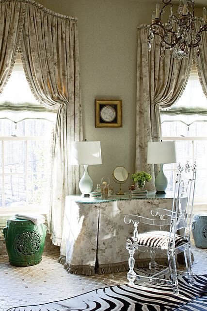 arched drapery with italian stringing by Barry Dixon Interiors