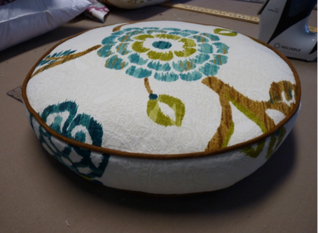 How-To Sew a Round, Boxed Pillow