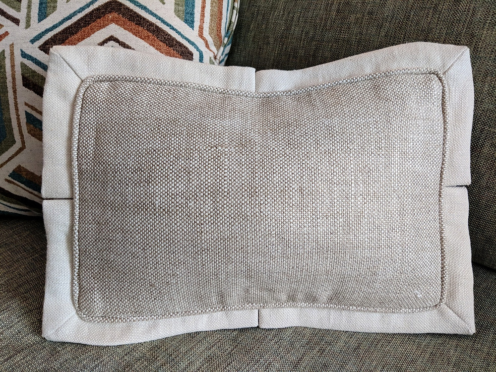 Pillow with 1-inch pleated flange