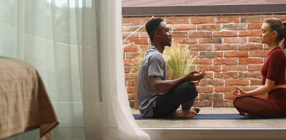 Meditating%20Together_edited.jpg
