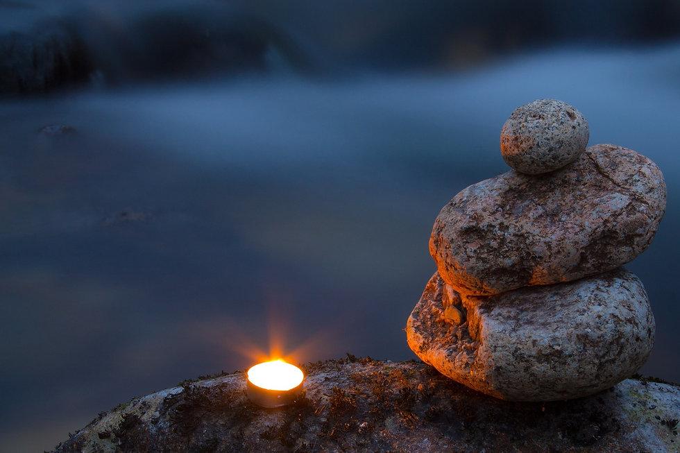 candle-1269704_1920.jpg