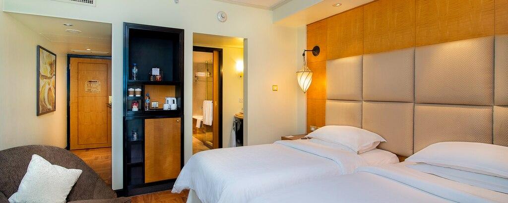 bedroom in sheraton Abu Dhabi Hotel & Resort