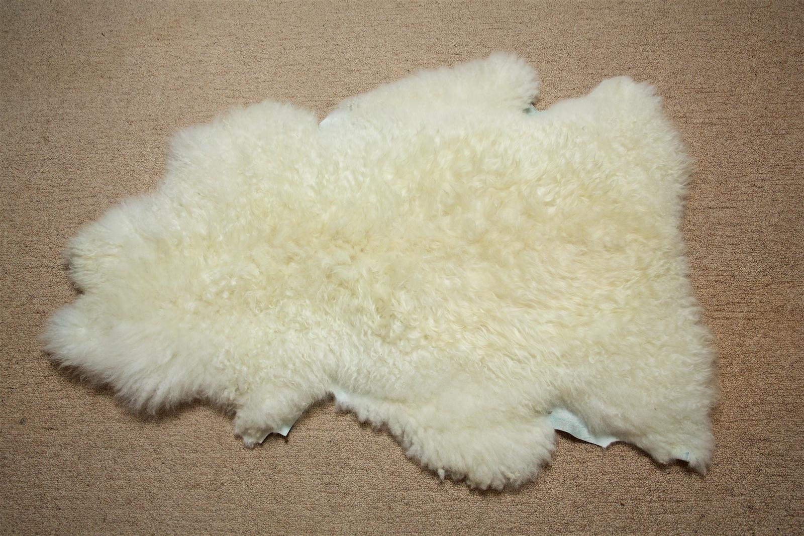 Pelt 1 White