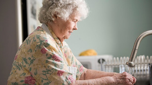 How to Support a Loved One With Moving to An Assisted Living Community