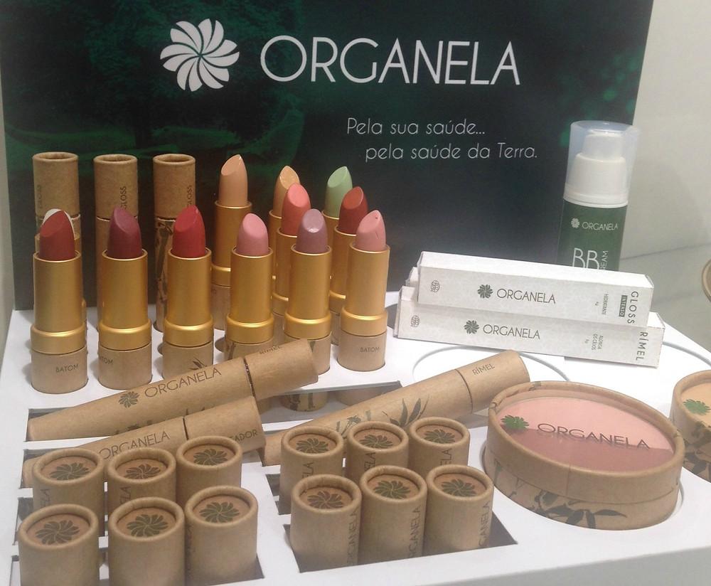 Organela chegou ao mercado com portfólio completo: batons, máscara de cílios, blush e até BB Cream (Foto: a Naturalíssima)
