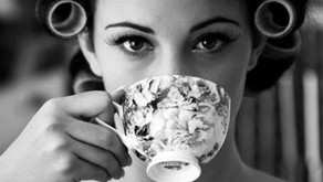 Os chás da beleza: chá verde x hibisco