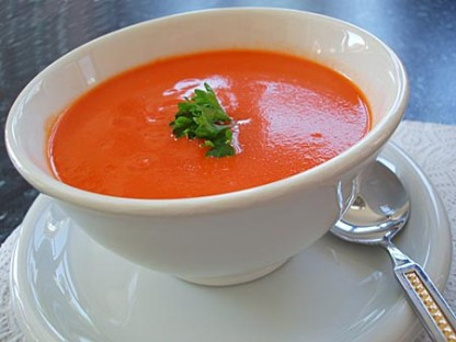 Sopa de tomate | receita da Lapinha SPA!
