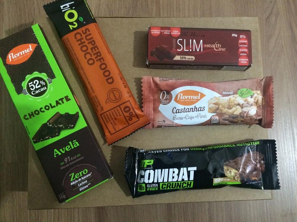 Snaks: chocolates funcionais e sem açúcar, barrinhas de frutas e castanhas... (Foto: a Naturalíssima)