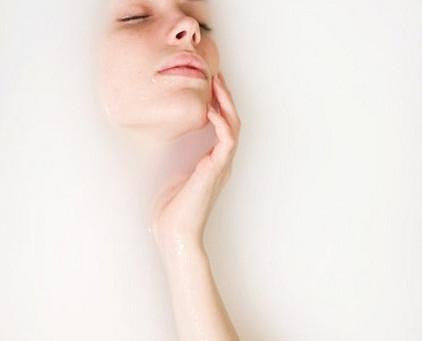 A importância de lavar o rosto corretamente  + dicas de sabonetes