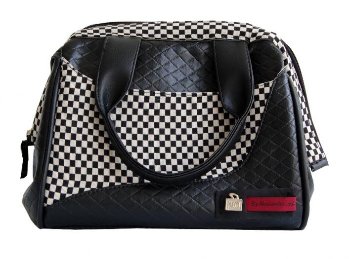 Alê Luglio lançou uma linha de bolsas térmicas súper charmosas em parceria com a marca Pacco By