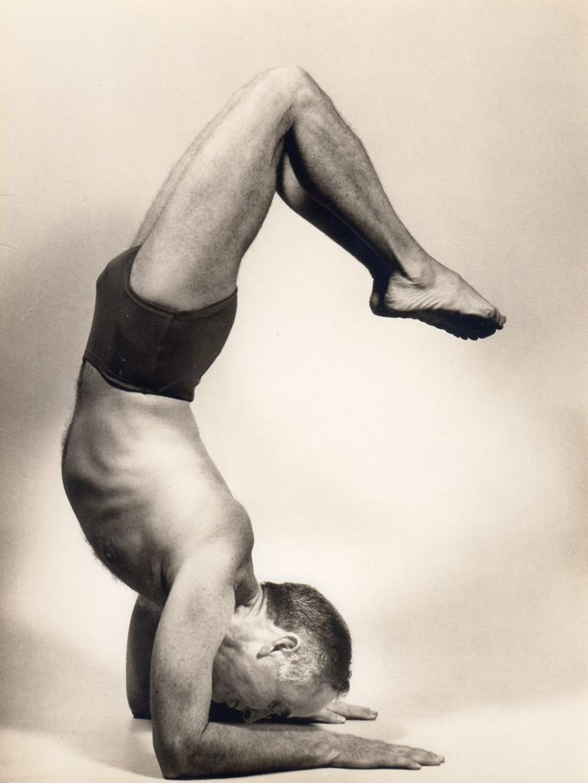Nunca é tarde: Hermógenes começou a praticar yoga aos 32 anos (Foto: acervo pessoal)