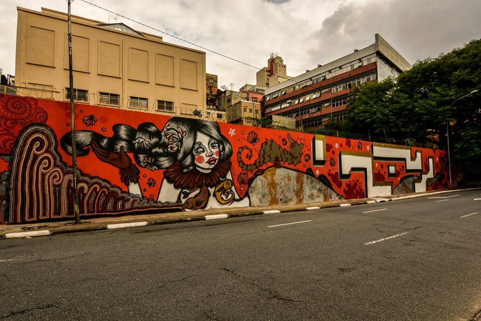 Na 23 de Maio, uma onda gigante para o grafitte de Tikka meszaros e a Barbara Goy (Foto: arquivo pessoal)