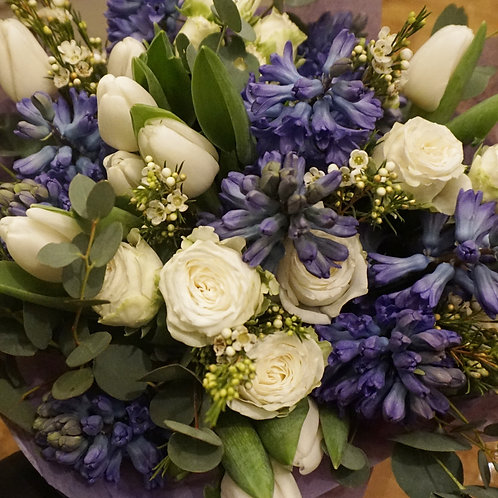Blue and white scented winter bouquet