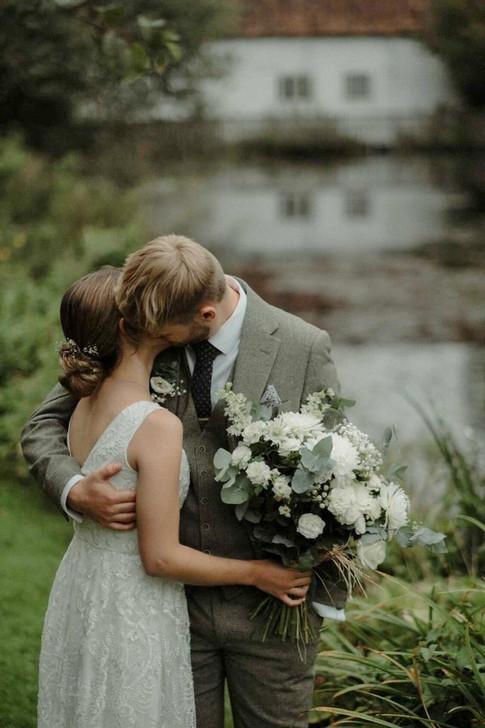 Lottie wedding 2 (2).jpg
