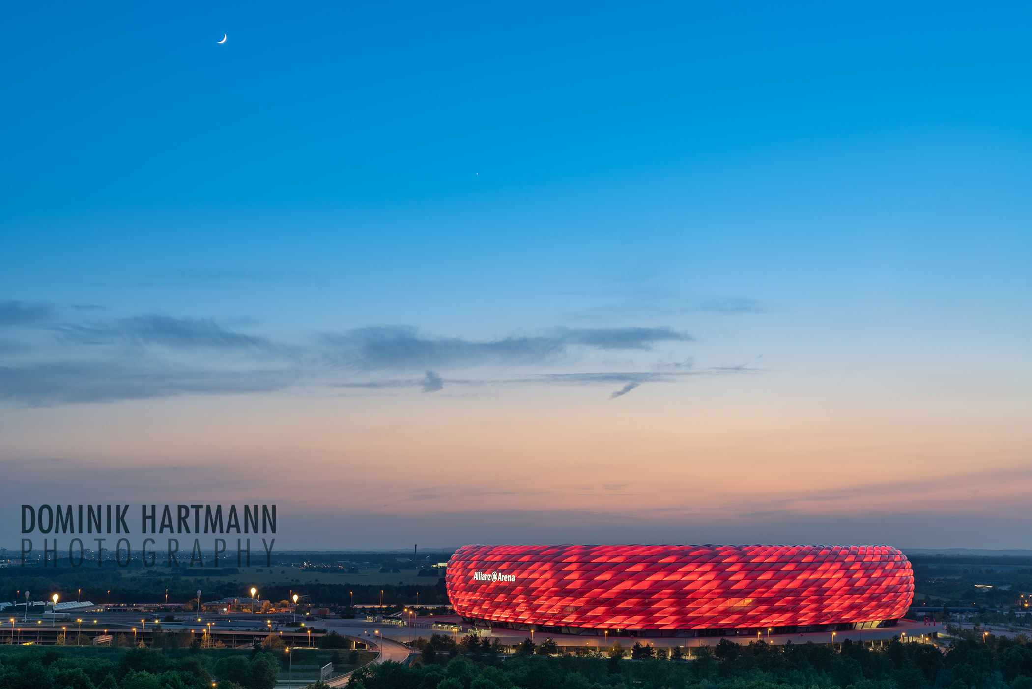 Allianz Arena by Dominik Hartmann