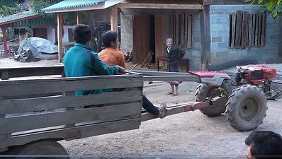 travaux des champs laos - organisateur voyage thailande