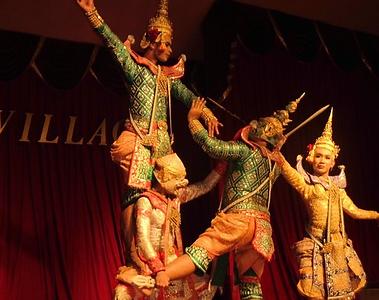 danses silom village - thailande vacance
