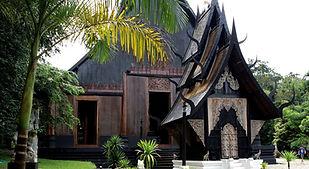 maison noire 2.jpg