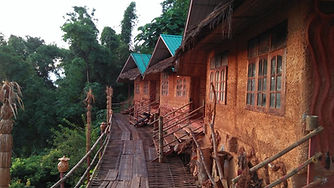 akha mud house 5.jpg