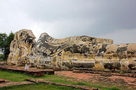 Wat-Lokayasutharam-Ayutthaya.JPG