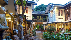 SILOM - GUIDE FRANCOPHONE THAILANDE