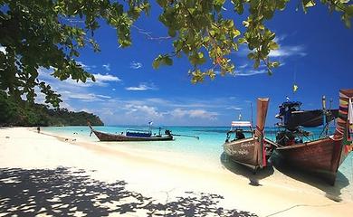 agence locale francophone thailande-bateaux koh lanta.jpg